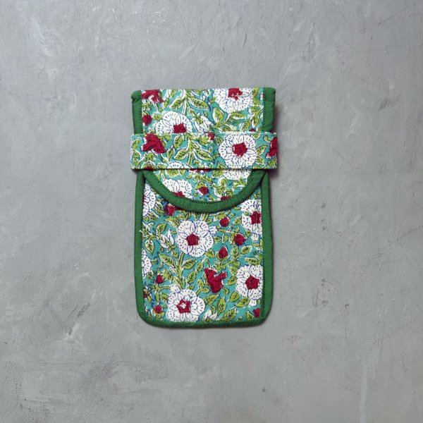 Green Spec and Mobile Pouch