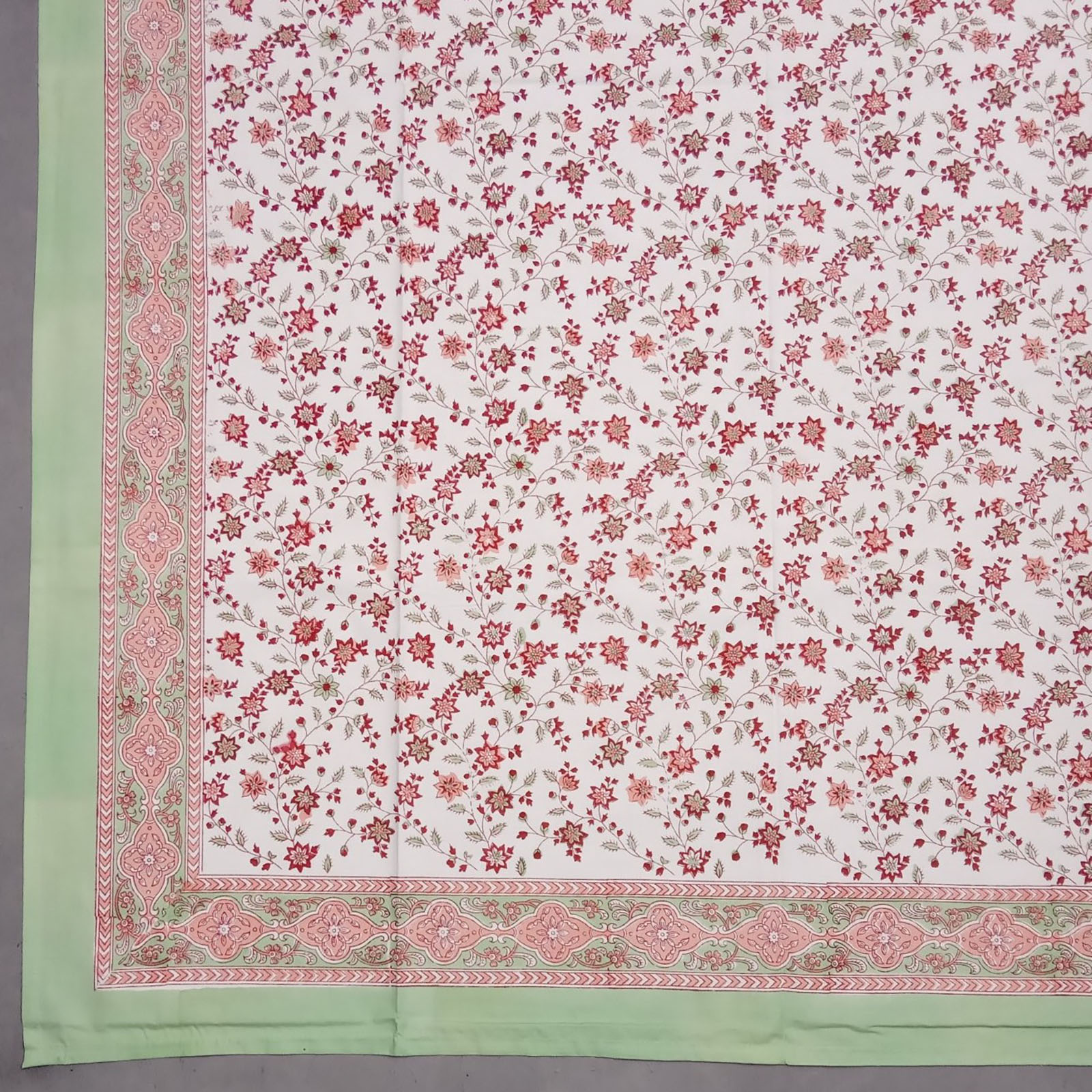 Pink Fine Faal Floral Double Bedsheet