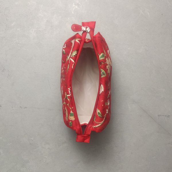 Red Floral Red Piping Twin Toilet Pouch