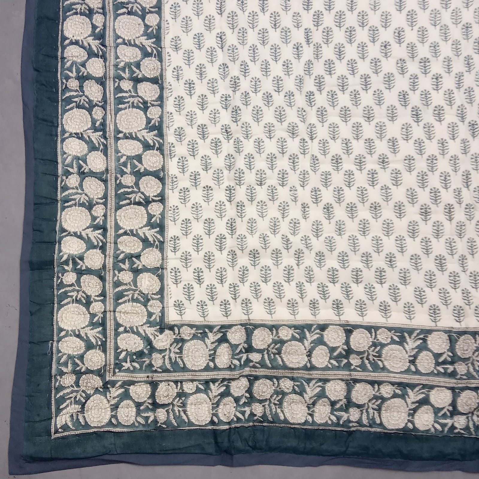 Ruhin Single Size Quilt