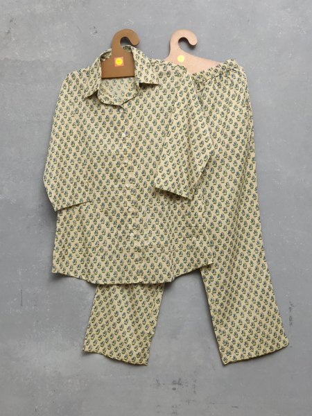 Small Boti cream Night Suit