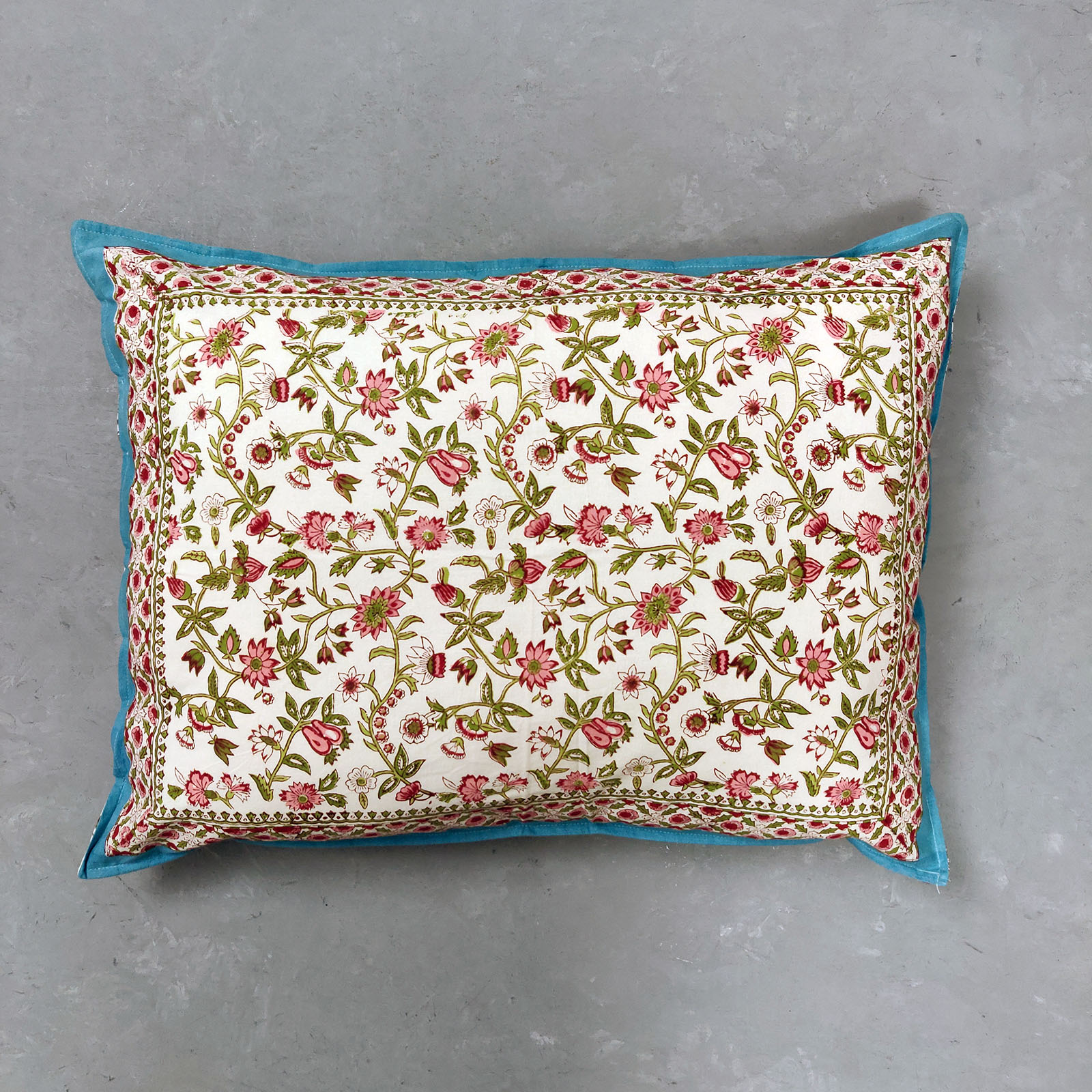 Reava Pillow Cover